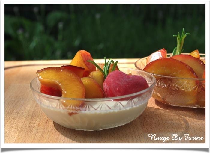 Panna Cotta verveine aux fruits d'été et sorbet aux fraises