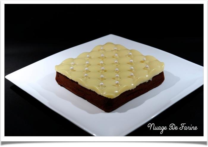Moelleux au chocolat et crème de marron avec sa couverture blanche