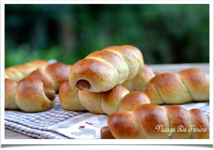 Petits pains fourrés façon hot-dog