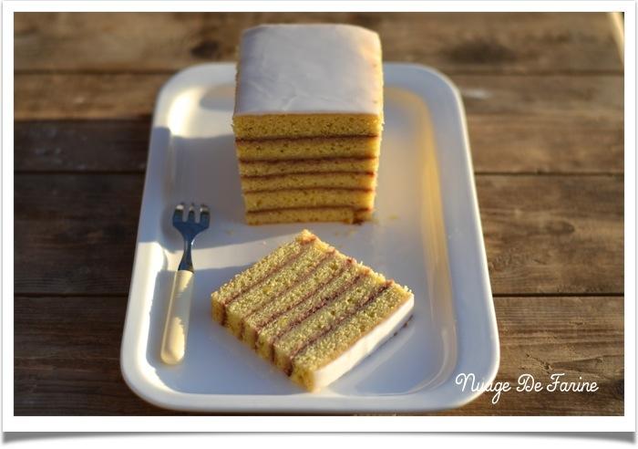 Gâteau à étages à la confiture