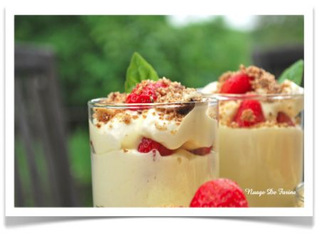 Tiramisu aux fraises et fruits secs caramélisés